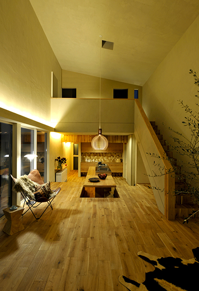 Octo 4240 walnut @ 床にくらす家 by 那須倶楽部